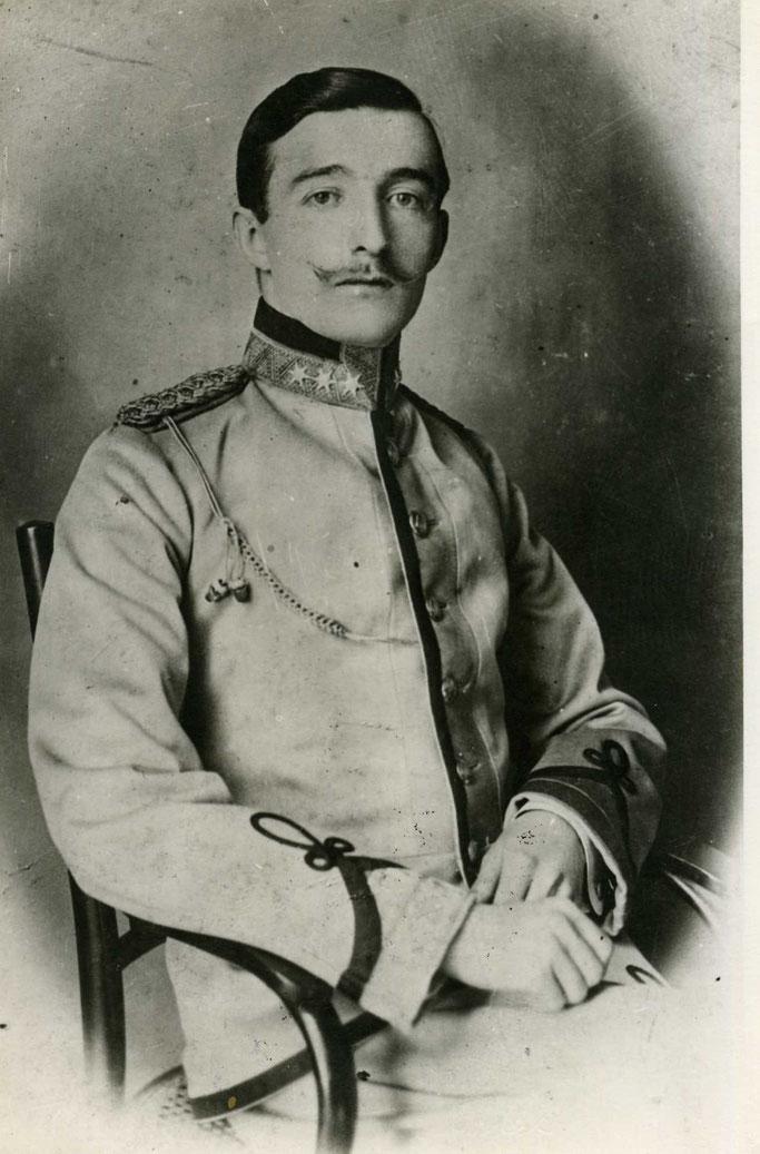 Ahmet Zogu – Burimi : Royal Court Of the Albanians – Oborri Mbretëror i Shqiptarëve