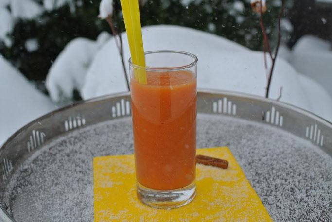Farbe im Winter: Orangen-Zimt-Smoothie
