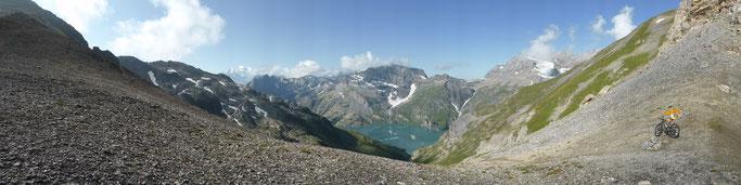 Panorama über den Lac d'Emosson Richtung französiche Alpen