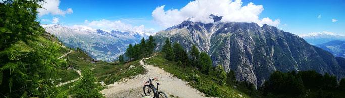 Panorama vom Obere Meiggu ins Lötschental