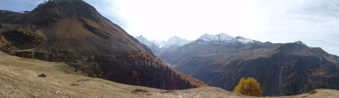 Panorama mit Matterhorn und Dent Blanche