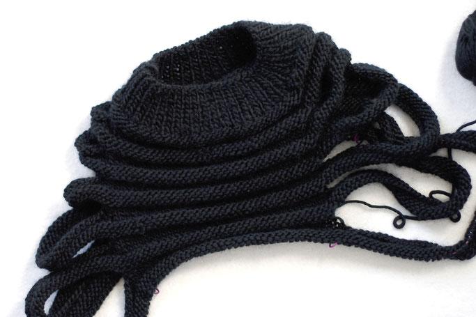 Needlework in progress - knitted postapocalyptic vest Zombie - Zebraspider DIY Anti-Fashion Blog