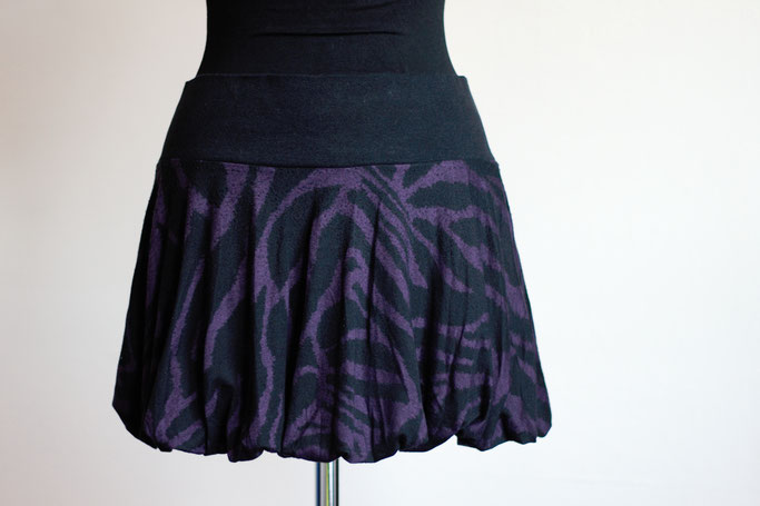 Flohmarkt: Röcke und Leggings - Ballonrock Mini Lila Zebra - Zebraspider DIY Anti-Fashion Blog