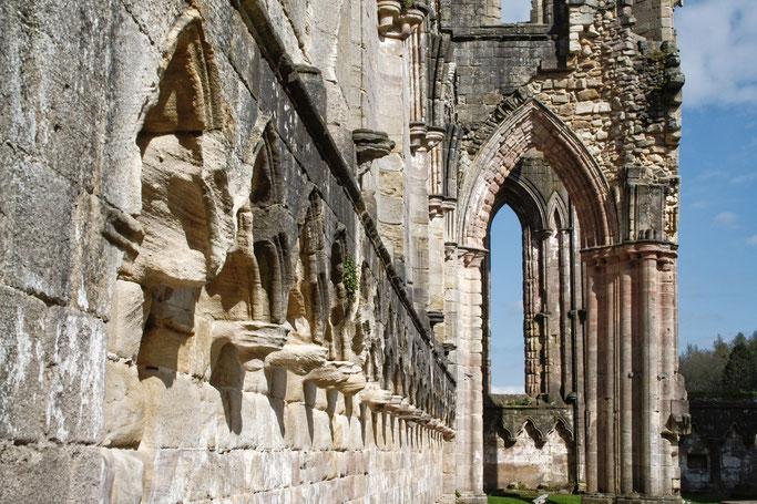 Die Ruinen der Fountains Abbey - Kirchenruine - Zebraspider DIY Anti-Fashion Blog