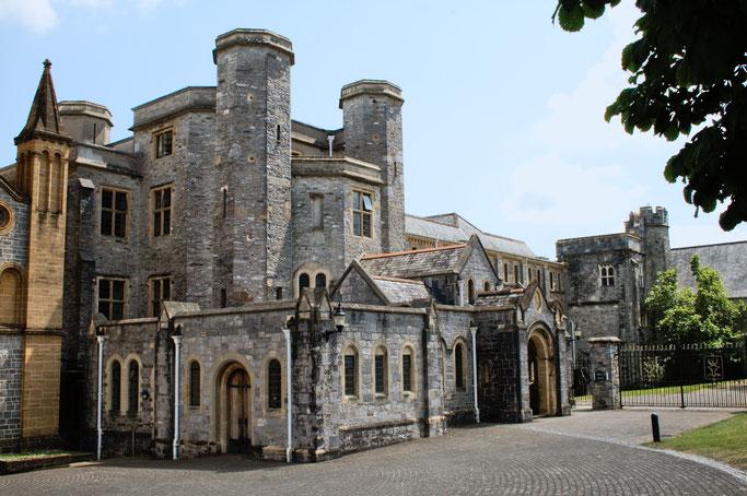 Zum Urlaub nach Cornwall - Buckfast Abbey Mansion - Zebraspider DIY Anti-Fashion Blog