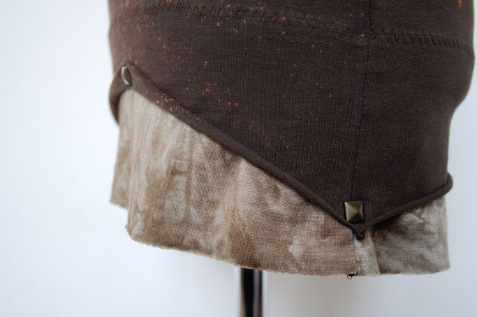 Auftrag für ein Steampunk-Endzeit-Outfit - Details am Saum - Zebraspider DIY Blog
