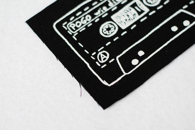 Die Suche nach dem perfekten Aufnäherstoff - Pogo Tape patch - Zebraspider DIY Anti-Fashion Blog