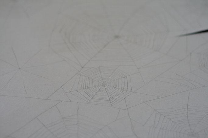 Woran ich momentan arbeite - Spinennetz-Stoff-Muster zeichnen Zebraspider DIY Anti-Fashion Blog