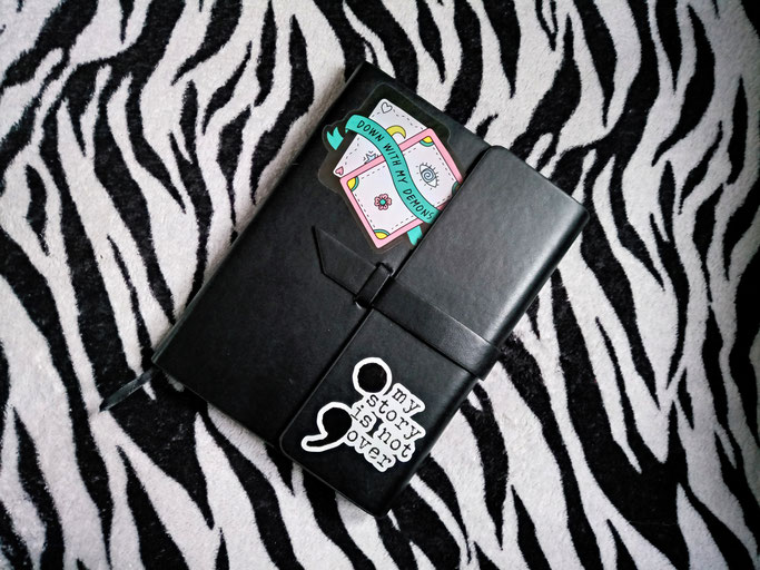What and how I've been doing - journal with stickers - Zebraspider DIY Anti-Fashion Blog