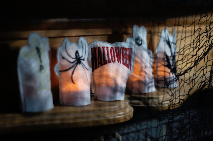Halloween Wichteln - Geschenke Teil 2 - leuchtende Tea-lights - Zebraspider DIY Anti-Fashion Blog