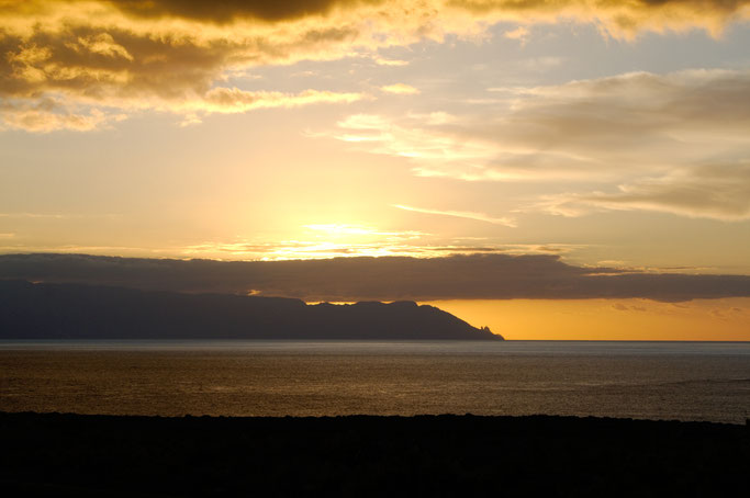 Teneriffa statt Weihnachten - Sonnenuntergang über La Gomera - Zebraspider DIY Anti-Fashion Blog