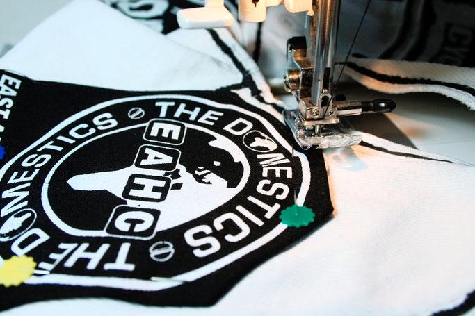5 Möglichkeiten einen Aufnäher anzunähen - mit der Nähmaschine um die Ecke - Zebraspider DIY Anti-Fashion Blog