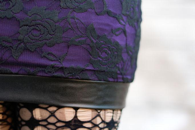 Die neuen Röcke sind online! - Rosen Spitze und Kunstleder in lila - Zebraspider DIY Anti-Fashion Blog