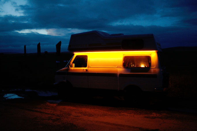 Urlaub Orkney Inseln - Camper bei Nacht und Stenness - Zebraspider DIY Anti-Fashion Blog