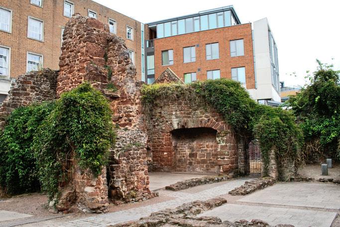 Zum Urlaub nach Cornwall - Exeter Armenhaus Ruine - Zebraspider DIY Anti-Fashion Blog