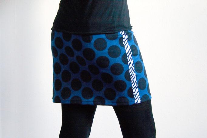 Flohmarkt: Röcke und Leggings - Minirock blau mit Punkten und Zebra - Zebraspider DIY Anti-Fashion Blog
