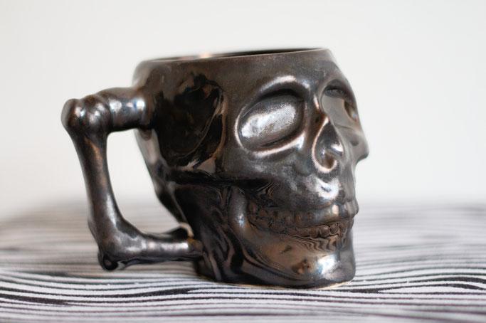 Handmade in Yorkshire oder Black Rose Bazaar Haul - Skullsuggery Ceramics Totenkopf-Tasse - Zebraspider DIY Anti-Fashion Blog