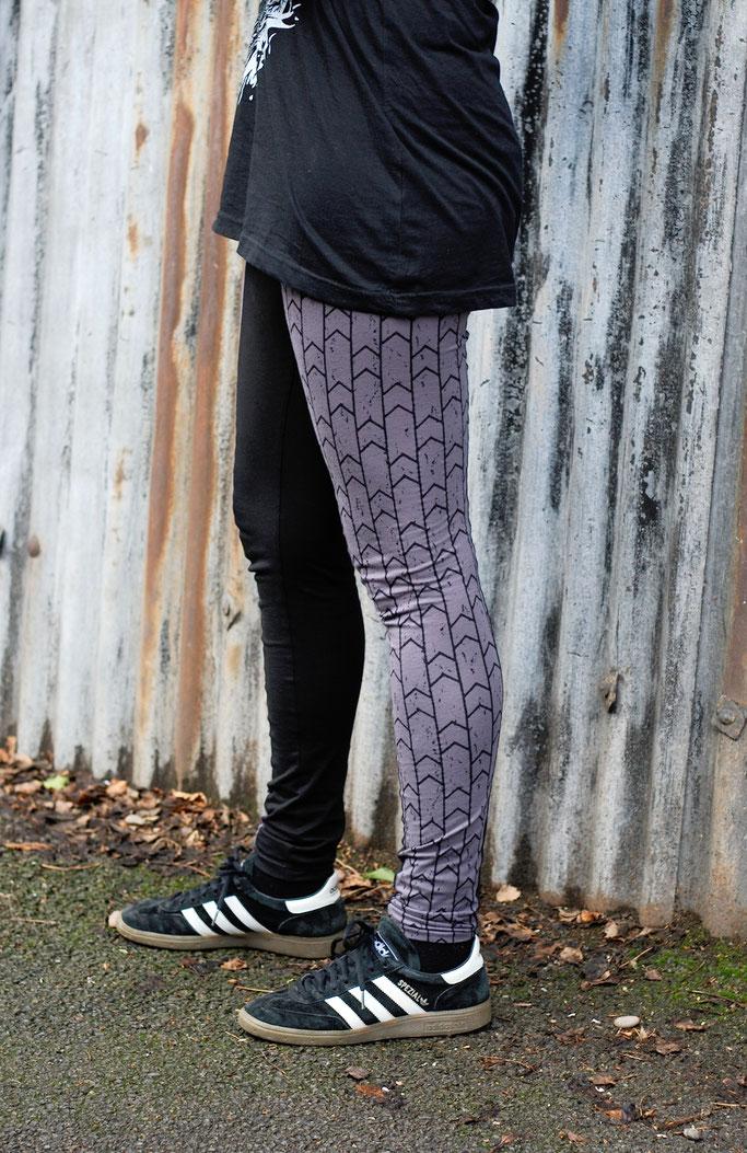 Citrus Leggings - Schnittmuster getestet - schwarz graue Pfeile- Zebraspider DIY Anti-Fashion Blog