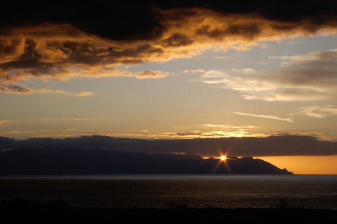 Leben und Vergehen - Teneriffa Fotos - Sonnenuntergang über La Gomera - Zebraspider DIY Anti-Fashion Blog