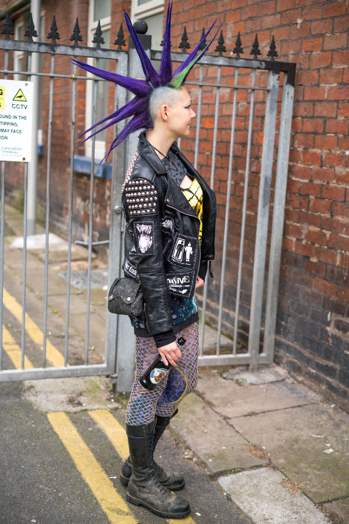 Rebellion Festival 2018 und Nietenjacke - Iro und Punk Outfit - Zebraspider DIY Anti-Fashion Blog