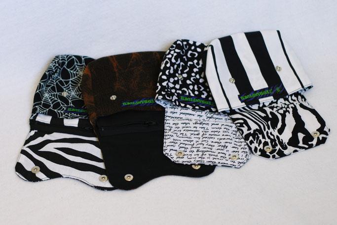 4 Aufträge und eine eigene Gürteltasche - alle offen auf einen Blick  - Zebraspider DIY Anti-Fashion Blog