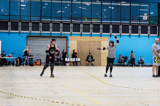 Yorkshire Roller Derby - York Minxters Lead Jammer - Zebraspider DIY Anti-Fashion Blog