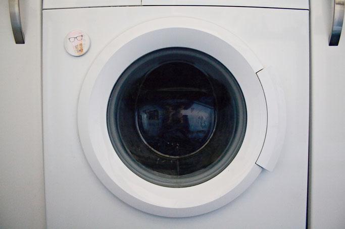 Wie wasche ich selbst genähte Sachen? - Waschmaschine wäscht - Zebraspider DIY Anti-Fashion Blog