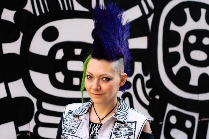 Manchester Punk Festival + Outfits - gestellter Iro und Streetart - Zebraspider DIY Anti-Fashion Blog