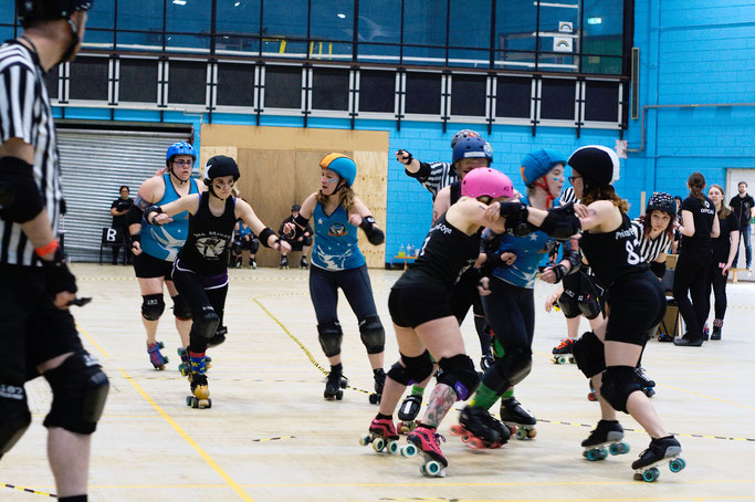 Yorkshire Roller Derby - York Minxters vs. Leicester in Grimsby - Zebraspider DIY Anti-Fashion Blog