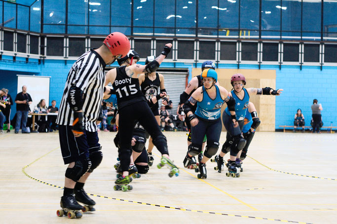 Yorkshire Roller Derby - Champs in Grimsby 2019 - Zebraspider DIY Anti-Fashion Blog
