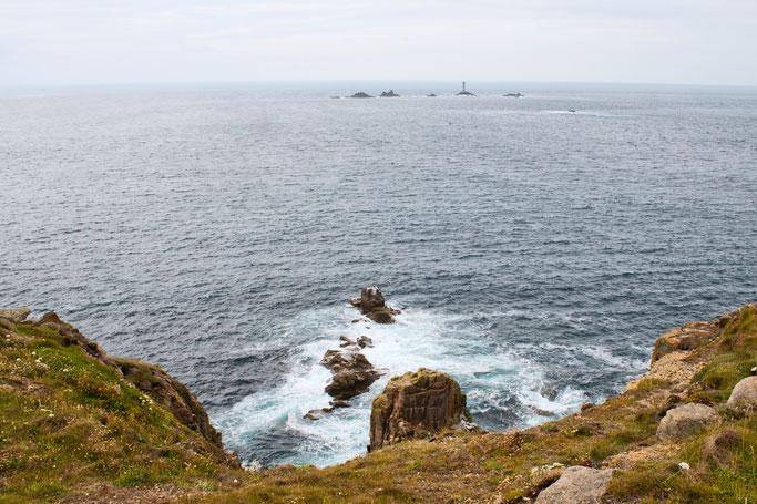 Zum Urlaub nach Cornwall - Land's End Blick auf Longships Inseln - Zebraspider DIY Anti-Fashion Blog