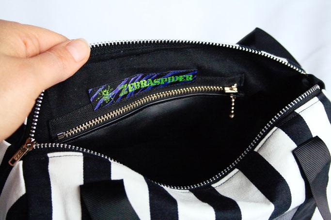 Verrückte Streifen - neue Aufträge - gestreifte Handasche mit Innenfach - Zebraspider DIY Anti-Fashion Blog