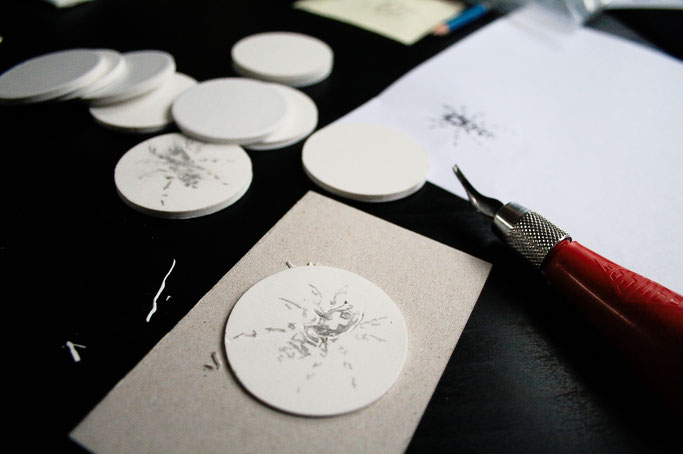 Stempel schnitzen und kreativ nutzen - Spinnenlogo in progress - Zebraspider DIY Anti-Fashion Blog