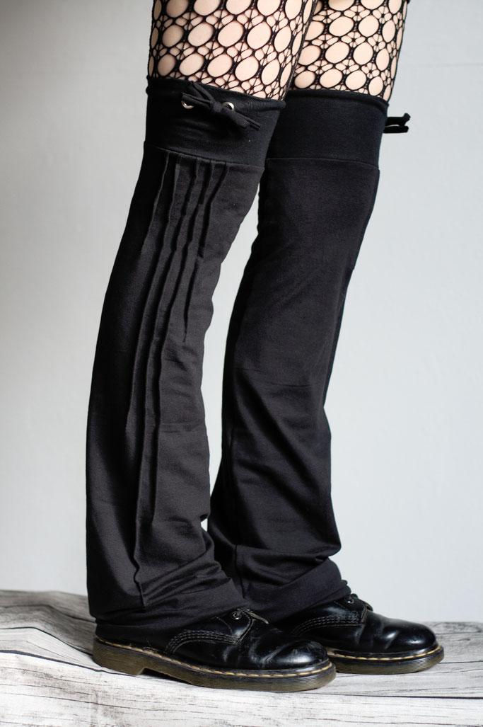 Neue Beinstulpen hoch drei - Biesen-Stulpen Prototyp (schmal) mit Band - Zebraspider DIY Anti-Fashion Blog