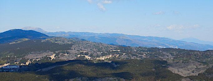 巣雲山山頂より箱根、岩戸山、大山