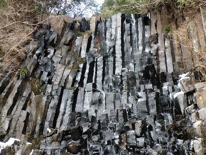 六方の滝の柱状節理