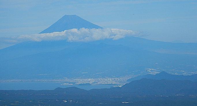 富士山、駿河灘、静浦山地