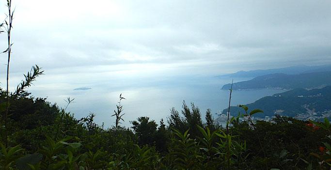岩戸山山頂より相模灘