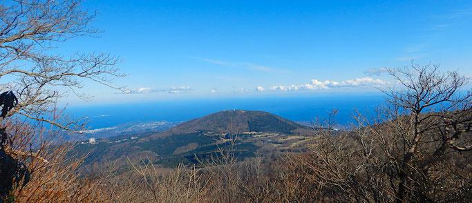 相模灘と遠笠山