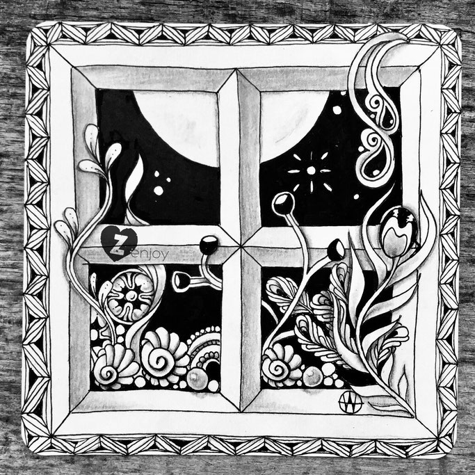 finished fullmoon tile with window-string 2 by Hanny Nura