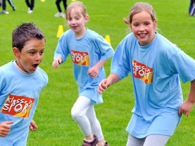 Foto: Kinder bei Sportaktivitäten