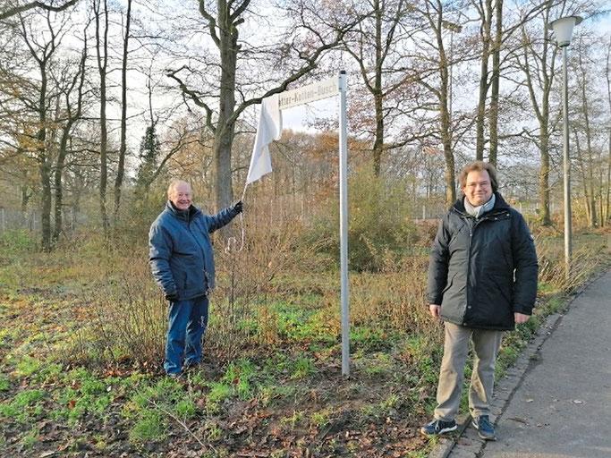 Corona-bedingt ohne Publikum haben Walter Schröer und Christopher Görlich den Schwatten-Kotten-Bisch eingeweiht.