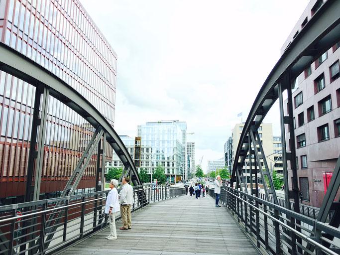 Speicherstadt Hafencity Brücke Kibbelstieg Aussicht