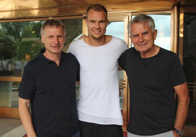 Der neue Sportdirektor Michael Reschke (links) mit Holger Badstuber und Wolfgang Dietrich (Foto: facebook.com/wolfgangdietrich48/)