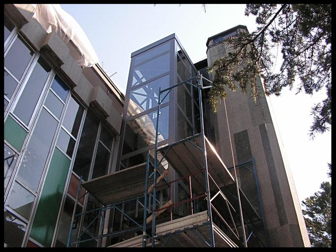 Ponteggio ascensore esterno terme