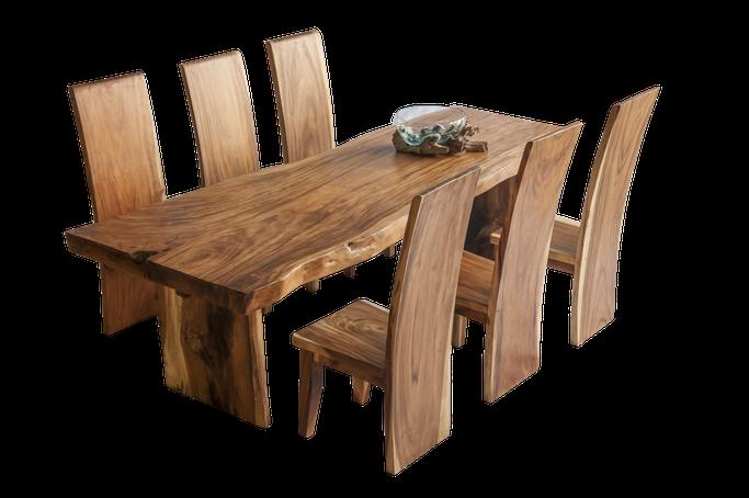 Beispiel für einen gelieferten und aufgestellten Mahagonitisch (Stühle + Dekoration zus. Kosten)