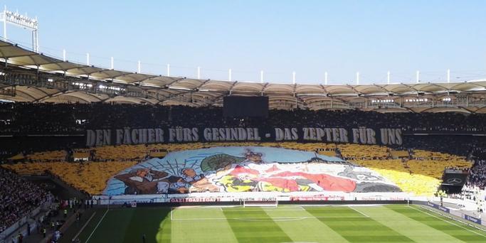 """""""Den Fächer fürs Gesindel - Das Zepter für uns"""" (Foto: @alex_1893 / twitter.com/alex_1893)"""