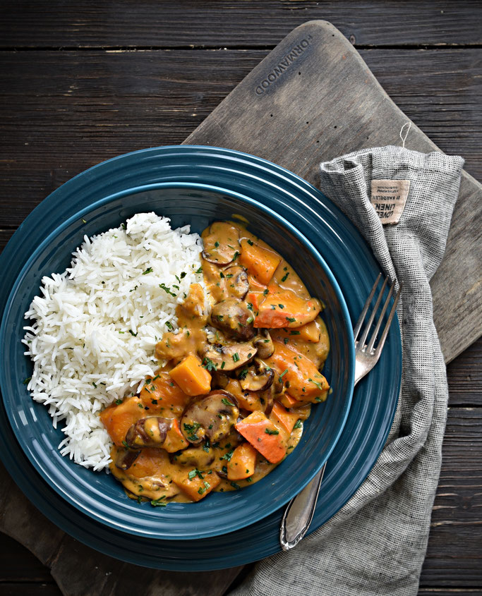 Pilz-Rahm-Kürbis, Hokkaido und Champignons in einer cremigen Soße, dazu Reis, es passen aber auch Spätzle, Nudeln oder Kartoffeln dazu, Thermomix, vegetarisch, vegan machbar, Mittagessen, Familienküche