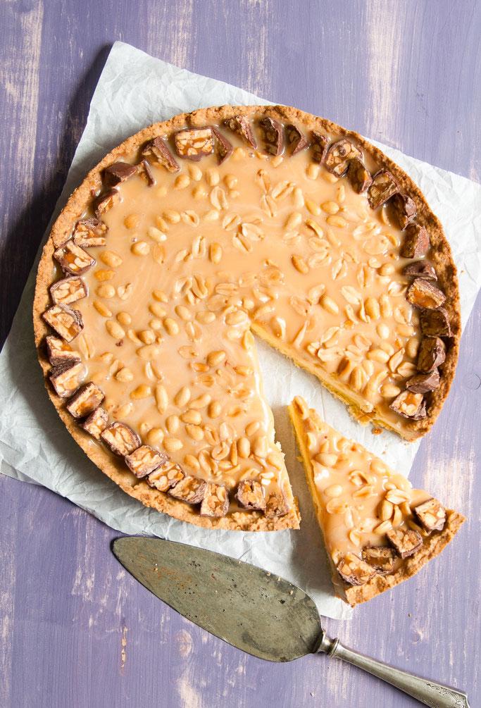 Käsekuchen mit Karamell und Erdnüsse à la Snickers, eine fantastische Kombination für alle Snickers und Käsekuchen Liebhaber