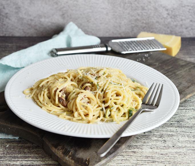 Cremige Pasta mit Zucchini und Pfifferlingen
